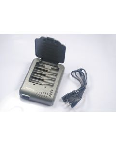Trustfire TR-003P4 Chargeur de batterie rechargeable pour 10440/14500/16340/17670/18500/18650