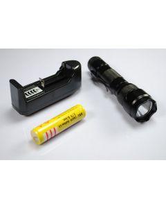 Ultrafire WF-502 b XML U2 LED lampe de poche avec chargeur et batterie 18650